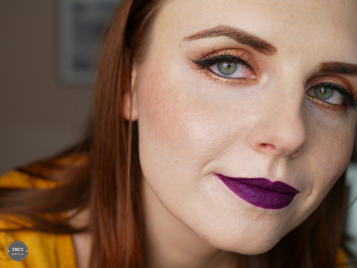 Look mit der Powder Foundation